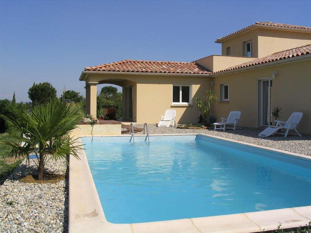 L exterieur - La maison de la piscine ...